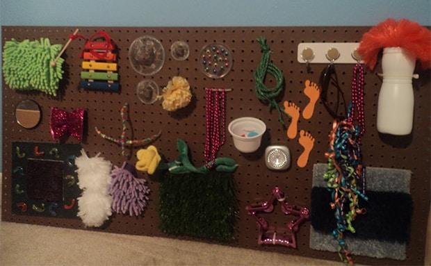 Sensory wall in stile Montessori
