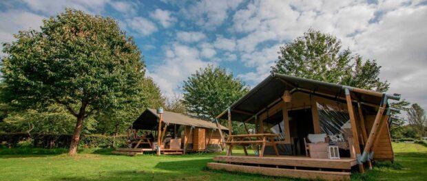Outstanding-Compleet-ingerichte-safaritenten-en-lodges-Compact